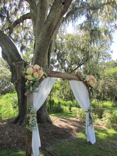 Love the decorations on this arbor.....I think we can modify them a bit for The Farm