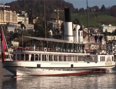 Unterwalden changes berth @ Lucerne - CLICK ON THE PICTURE TO WATCH THE VIDEO Lucerne, Video Clip, Boat, Ship, Change, Watch, Pictures, Photos, Dinghy