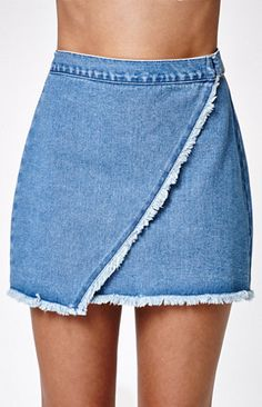 Kendall and Kylie offer a fresh take on denim with this stylish skirt. Pair this denim skirt with any of the tops or tees from the same collection. Remake Clothes, Diy Clothes, Denim Outfit, Denim Overalls, Shorts, Kendall And Kylie Clothing, Denim Fashion, Fashion Outfits, Brunch Outfit