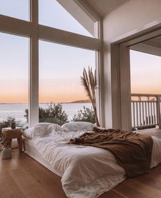 A cozy bed with an amazing view! What do you think of this bedroom? TAG a frien… A cozy bed with an amazing view! 😍 What do you think of this bedroom? TAG a friend who would love to live here! Dream Home Design, My Dream Home, Home Interior Design, Interior Decorating, House Design, Interior Styling, Loft Design, Decorating Ideas, Dream House Interior