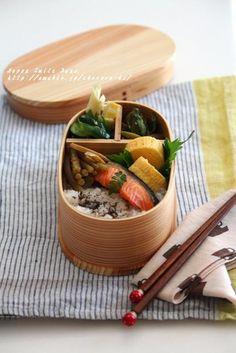 鮭と山菜お弁当。