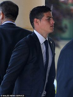 James Rodriguez was also part of the Madrid team in Cardiff, sporting three stripes in