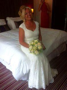 Brides hairup