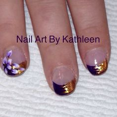 Flowers on dual colored french nails