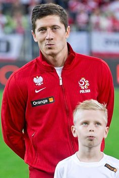 "This kid twinning with Robert Lewandowski.  ""Footballers and kids"""