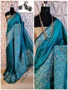 Stylish Look Multi Color Raw Silk Weaving Saree With Rich Pallu -Style Array Raw Silk Saree, Soft Silk Sarees, Trendy Sarees, Fancy Sarees, Designer Blouse Patterns, Work Sarees, Silk Sarees Online, Sari Fabric, Saree Dress