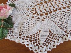 White Vintage Crocheted Centrepiece -  White Crocheted Doily - Vintage Wedding - Shabby Chic Crochet Doilies, Crochet Yarn, Crochet Top, Table Toppers, Vintage Table, Vintage Crochet, Elsa, Centerpieces, Shabby Chic