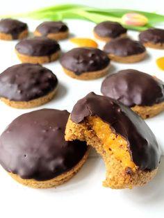 Pim's koekjes, die ronde, luchtige, cake-achtige koekjes met chocola en sinaasappel die zo fijn weghappen. Glutenvrij, lactosevrij.