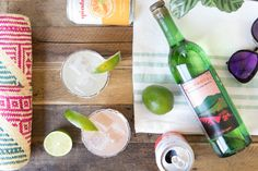 Sparkling Mezcal Margarita – Spindrift Cocktails For Parties, Party Drinks Alcohol, Alcoholic Drinks, Mezcal Margarita, Mojito, Triple Sec Cocktails, Bourbon Cherries, You And Tequila, Shandy