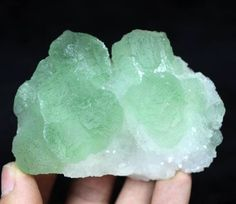 210g Lustrous Green Fluorite balls on Quartz Specimen Jiangxi China CM651699 #UnbrandedGeneric