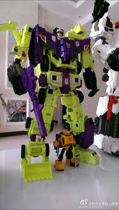 Titan Class Devastator pic - Page 129 - TFW2005 - The 2005 Boards