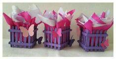 Usa palitos de madera y crea lindas cajitas para obsequios - Dale Detalles Popsicle Stick Crafts, Craft Stick Crafts, Preschool Crafts, Paper Crafts, Stick Centerpieces, Butterfly Centerpieces, Kids Planner, Butterfly Baby Shower, Diy Crafts Hacks
