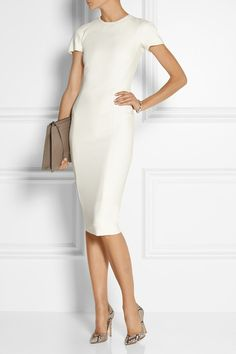Victoria Beckham ivory stretch crepe dress   WORK IT!   Office style by visual therapy