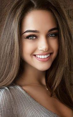 Lovely Eyes, Most Beautiful Faces, Stunning Eyes, Beautiful Girl Image, Beautiful Smile, Beautiful Models, Beautiful Women, Brunette Beauty, Hair Beauty