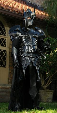 AMAZING! I thought it was Sauron at first, but it's medieval Batman!