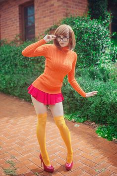 #cosplay #girls #kaylaerin #velma