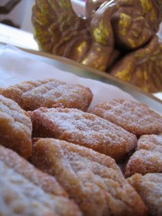 My childhood Christmas memories are mostly of people who were and still are part of my life - my family. As I grew up in Alentejo (in sout. Traditional Cakes, Portuguese Recipes, Christmas Traditions, Food And Drink, Cooking Recipes, Christmas Cakes, Cookies, Sweet, Desserts
