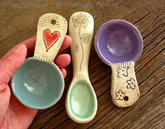 Making scoops is a fun way for me to relax and experiment with new decorating ideas.        My scoops are handmade from silky smooth porc...