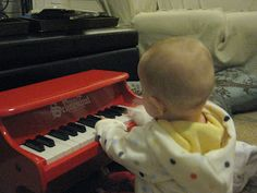 Little Piano for Little Hands: My First Piano by Schoenhut