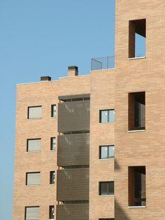 #Edificios #Contemporaneo #Exterior #Fachada #Vidrio #Barandillas #Ventanas