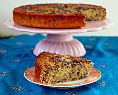 Indischer Gries Kokos Kuchen Baaht mit Tahini und schwarzem Sesam