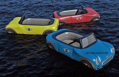 A Access Agency criou uma campanha fantástica para divulgar os carros conversíveis mini no verão, transformando os carros em bóias para usar no mar ou na piscina, passando o conceito onde a diversão acontece.
