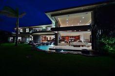 'Jewel Of Kahana' Hawaii Home by Arri Lecron Architects