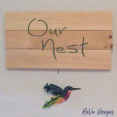 polymer clay hummingbird sculpey bird love art decor rainbow creations handmade crafts Diy Bracelet Storage, Handmade Wooden, Handmade Crafts, Writing Romance, Jewelry Rack, Chalkboard Art, Wooden Jewelry, Program Design, Bird Art