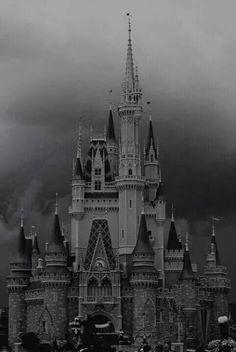 Image via We Heart It https://weheartit.com/entry/151218574/via/21786421 #blackandwhite #castillo #disney