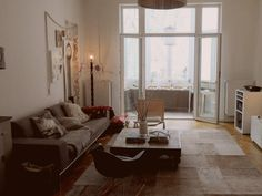 A sneak peak at Holly Becker's studio http://7thingsfor7days.net/a-sneak-peek-at-holly-beckers-studio-158 #bywstudio
