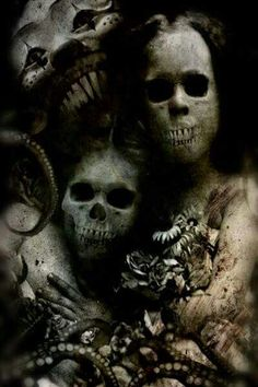 thescariestdarkness:The Craziest Horror Video! All caught on Film Dark Gothic, Gothic Art, Arte Horror, Horror Art, Horror Pics, Horror Pictures, Images Terrifiantes, Dark Images, Ghost Images