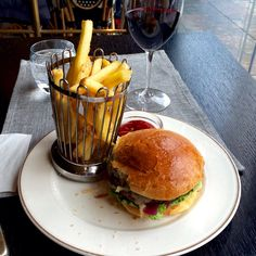 Kämp burger at Brasserie Kämp in hotel Kämp in Helsinki