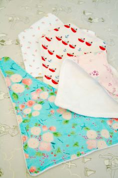 Lots of friends and co-workers pregnant. Want to try making these! DIY Drool Bandana Bibs - Tutorial