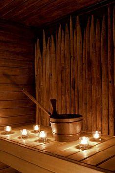 Heinäseipäät tuovat saunaan persoonallista ilmettä.
