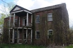 Abandoned House in the outskirts of Marthasville, MO