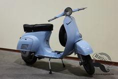 PIAGGIO VESPA 50 N DEL 1966 restaurata perfetta, condizioni da concorso, certificato ciclomotori originale.