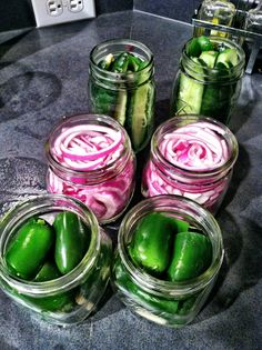 Preserving food doesnt have to be complicated…and there are no double boilers or specialist equipment needed here for these super simple pickles. This easy pickling method means that you can enjoy your summer vegetables well [. Canning Tips, Home Canning, Canning Recipes, Beet Recipes, Jar Recipes, Methods Of Food Preservation, Canned Food Storage, Fermented Foods, Preserving Food