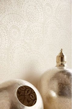 Eijffinger Suzani wallpaper - lots of styles on this page Dining Room Wallpaper, Kitchen Wallpaper, Modern Wallpaper, Home Wallpaper, Designer Wallpaper, Wallpaper Ideas, Wall Paint Inspiration, Game Room Bar, Wall Treatments