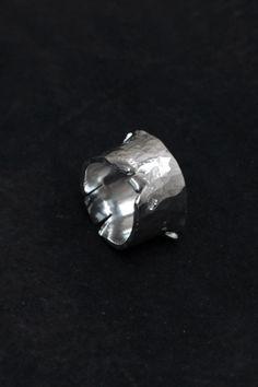 Rara Avis: Chin Teo - Cut ring