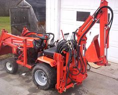 Do-it-yourself CAD Plans by P. Loaders, Backhoes for garden tractors, log splitters. Sample pictures and videos of those. Small Tractors, Case Tractors, Compact Tractors, Electric Cars, Electric Vehicle, John Deere Garden Tractors, Garden Tractor Attachments, Homemade Tractor, Tractor Accessories