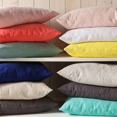 Housse de coussin lin lavé uni - Rose poudré- Vue 1 Deco, Pillow Covers, Bed Pillows, Curtains, Bedroom, Home, Chairs, Linens, Slipcovers