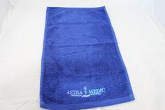 Algunos ejemplos de toallas de algodón bordadas con diferentes logos de clientes. Towel