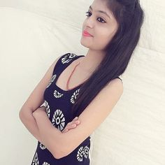 Look Your Absolute Best With These Beauty Tips Beautiful Girl Photo, Cute Girl Photo, Beautiful Girl Indian, Beautiful Girl Image, Stylish Girls Photos, Stylish Girl Pic, Pakistani Girls Pic, Girl Pictures, Girl Photos