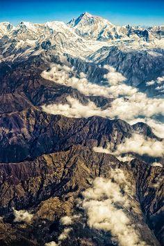 Bhutan Himalaya Dantes Inferno, Himalaya, World Geography, Seville, Nepal, Laos, Mount Everest, Places To Visit, Mountains