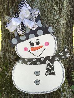 Snowman door hanger by DarlingDecorforDoors on Etsy