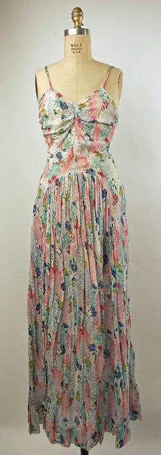 yes F please. This dress is bomb! Cotton dress, American, 1930's.