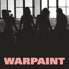 """Auf ihrem neuen Album """"Heads Up"""" wollen Warpaint plötzlich auch etwas Spaß zwischen der endlosen Traurigkeit. Ein unerwarter Spagat, der erstaunlich gut funktioniert."""