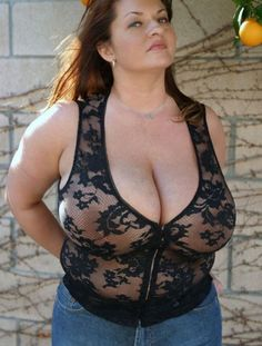 Beautiful Curves, Sexy Curves, Maria Moore, Dark Blue Hair, Botas Sexy, Bra Cup Sizes, Thing 1, Plus Size Beauty, Outfit