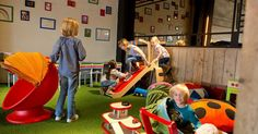 """""""Heeft u al ooit een kinderspeelhoekje in een Vlaamse horecazaak gezien?"""" vraagt Vlaams minister Ben Weyts zich af. DM.city alvast wel. Maar meer nog dan…"""