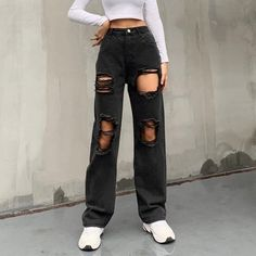 Black Denim Pants, Black Ripped Jeans, Skater Girl Outfits, Casual Jeans, Casual Grunge Outfits, Jeans Style, Swaggy Outfits, Rave Wear, Distressed Jeans